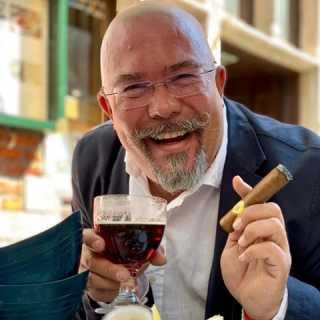 NikiNikolaus avatar
