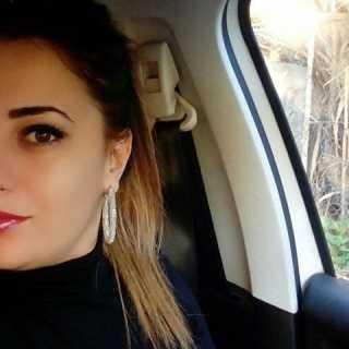 YasmineMesrati avatar